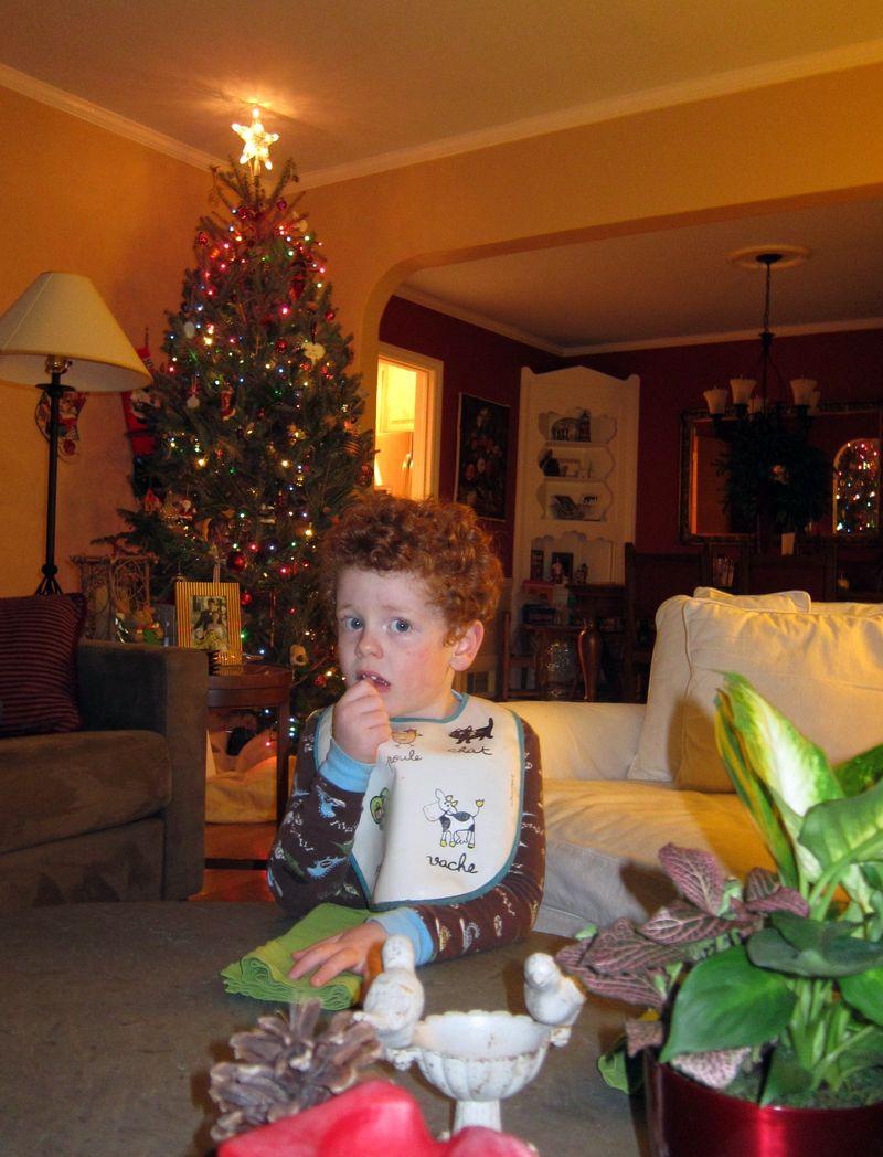 12.11.10.familymovienight2