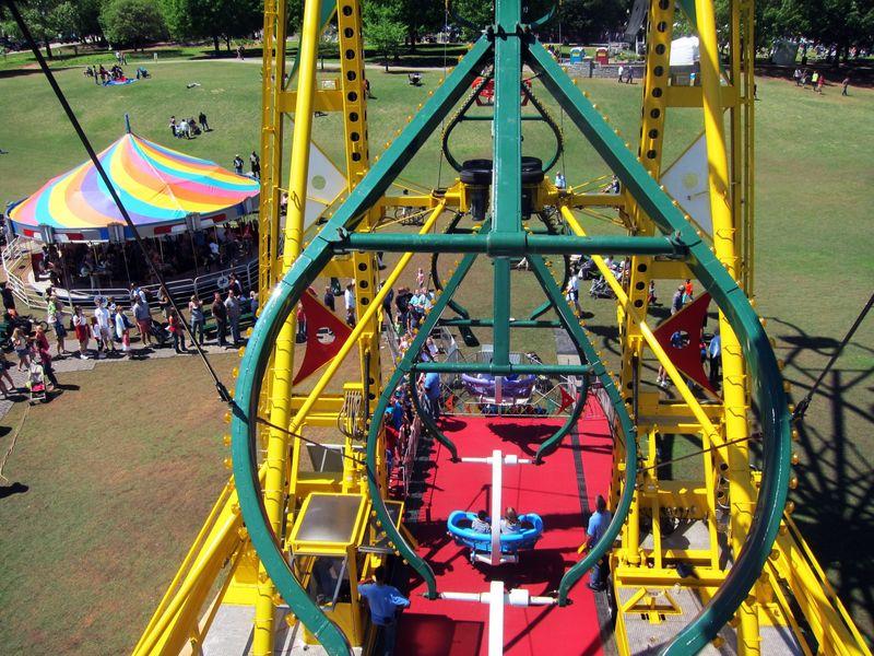 4.16.11_Ferris_Wheel_DogwoodFest